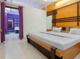 SPOT ON 71319 Hotel The 7 Days Restaurant, hotel in Nagpur