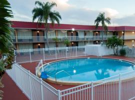 Express Inn & Suites - 5 Miles from St Petersburg Clearwater Airport, hotel in Clearwater