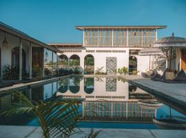 Suku Lifestyle Hotel, hotel near Selong Belanak Beach, Selong Belanak