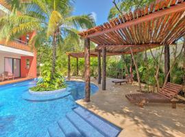 Resort-Style Condo 3 Miles to Historic Tulum Ruins, apartment in Tulum