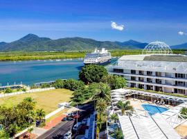 Pullman Reef Hotel Casino, hotel in Cairns