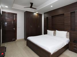 SPOT ON 72296 Balaji, hotel in Dāhānu