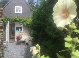 zomerhuis villazout 1 in Egmond aan Zee, hotel in Egmond aan Zee