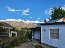 Exelente casa en Piedras Blancas, Potrerillos, hotel in Potrerillos