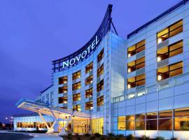 Novotel Montréal Aéroport, hotel em Dorval