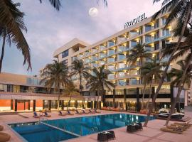 Novotel Mumbai Juhu Beach, hotel with pools in Mumbai