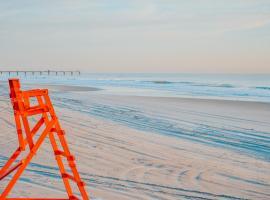 NautiDunes, on the beach @ the center of Jax Beach, vacation rental in Jacksonville Beach
