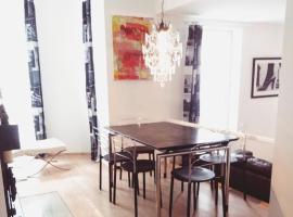 Luxury Stadtvillen Wohnung mit idyllischem Gartenbereich, luxury hotel in Berlin