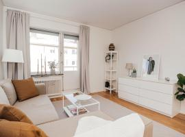 Wonderful apartment with balcony close to Globen, apartment in Stockholm