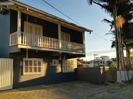 Pousada Canto Das Palmeiras, guest house in Penha