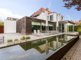 Studio het Strandhuis KA05, apartment in Vlissingen