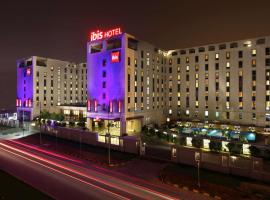 Ibis New Delhi International Airport, family hotel in New Delhi