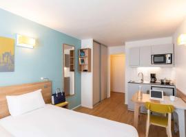 Aparthotel Adagio Access La Défense - Place Charras, hotel in Courbevoie