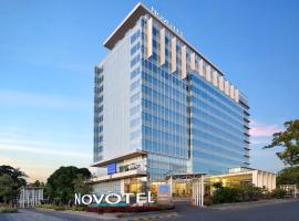 Novotel Makassar Grand Shayla, hotel dekat Pantai Losari, Makassar