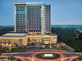 Mercure Karawang, hotel in Karawang