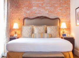 French Market Inn, hotel near Bourbon Street, New Orleans