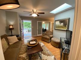 Cute Condo Close to Downtown, apartment in Raleigh