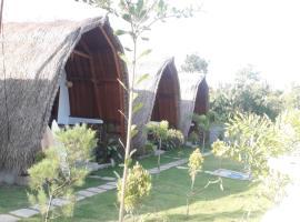 tropicalsundaybungalow, apartment in Kuta Lombok