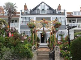 Poltair Guest House, vacation rental in Falmouth