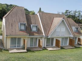 Les Cottages du Saleys - Casalys 3p 6p, hôtel à Salies-de-Béarn