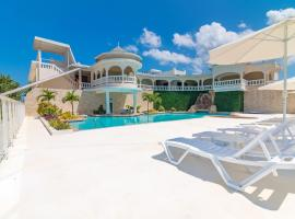 Travellers Beach Resort, hotel in Negril