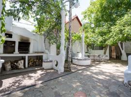 Villa Gaudi - более 2 дней, вілла в Одесі