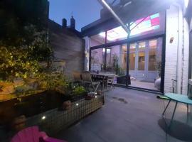 Maison du jardin botanique, hotel near Colbert Metro Station, Tourcoing