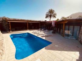 Anfi Tauro Golf Villa with private heated pool, golf hotel in Mogán