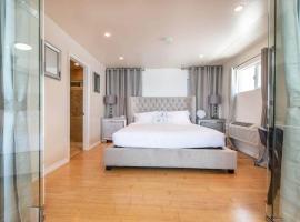 Stay Gia Luxury Beachfront Condo For 4 People In Malibu, hotel in Malibu