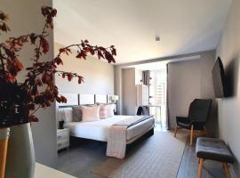 Apartahotel 5dos5, serviced apartment in Oviedo