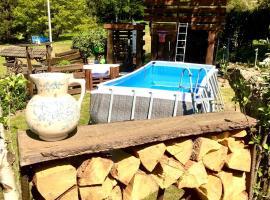 FRANKES LODGE Apartment mit Garten und Pool, budget hotel in Essen