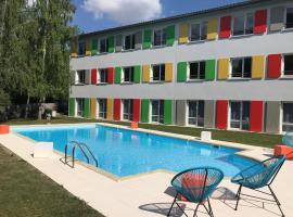 Hôtel Full Colors, hôtel à Craponne près de: EM Lyon Business School