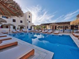 Villa Angira, מלון בקמארי