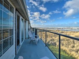 Eagles View Condo in Ocean Shores with 3 Balconies, apartment in Ocean Shores