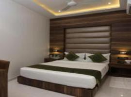 Hotel Meriton, hotel near Bombay Exhibition Centre, Mumbai