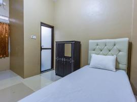 OYO Life 2866 Kost Syahira, hotel in Depok