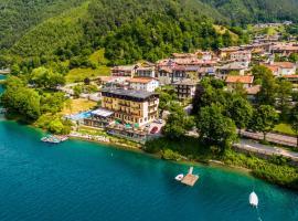Albergo Mezzolago, hotel in zona Lago di Ledro, Mezzolago