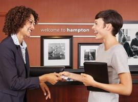 Hampton Inn Buffalo - Amherst, room in North Bailey