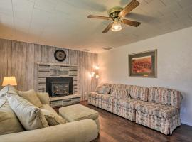 Remodeled Home Less Than 5 Mi. to Bryce Canyon/Mossy Cave, hotel in Tropic