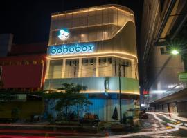 Bobobox Pods Alun Alun, hotel near Bandung Train Station, Bandung