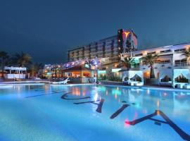 Ushuaia Ibiza Beach Hotel - Adults Only, hotel en Playa d'en Bossa