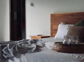 Modern & Private Villa Yula, apartment in Sanur