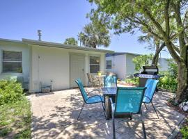 Cozy NSB Abode with BBQ and Fire Pit - Walk to Beach!, vacation rental in New Smyrna Beach