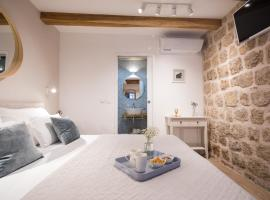 Live Laugh Love Dubrovnik Luxury Rooms, budget hotel in Dubrovnik