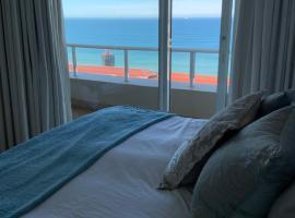 702 Oyster Schelles, hotel near Umhlanga Lighthouse, Durban