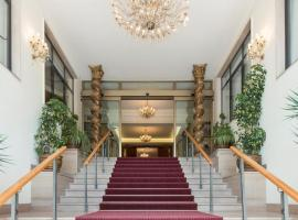 Grand Hotel Adriatico, отель в Монтесильвано
