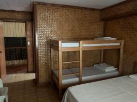 OYO 633 Abelardo's Pension House, hotel in Puerto Princesa