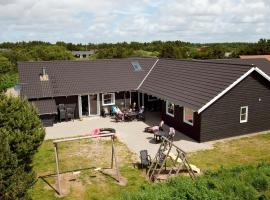 Nine-Bedroom Holiday home in Vejers Strand, vacation rental in Vejers Strand