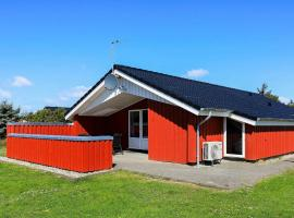 Four-Bedroom Holiday home in Vejers Strand 5, vacation rental in Vejers Strand