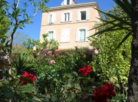 Hôtel Les Palmiers, hotel near Roquebrune Golf Course, Saint-Tropez